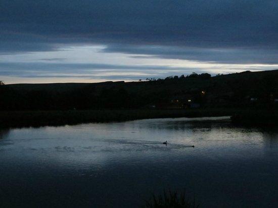 Redewater Lakeside Lodges: Lake view