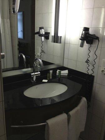 Radisson Blu Hotel, Bremen: Bathroom