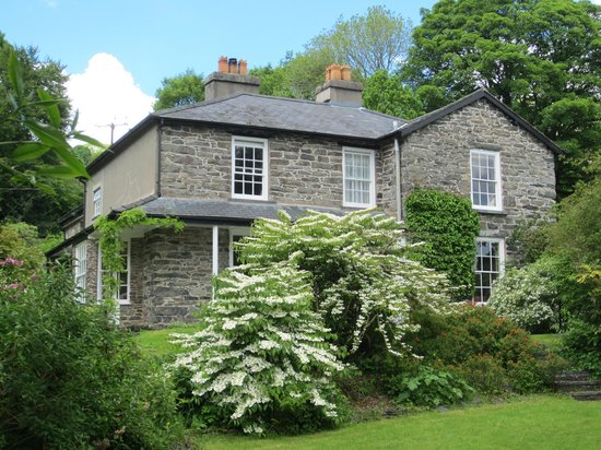 Abercelyn Country House: House from the car park