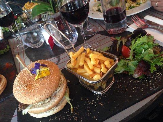 The burger photo de le comptoir lounge magny le hongre tripadvisor - Le comptoir lounge magny le hongre ...