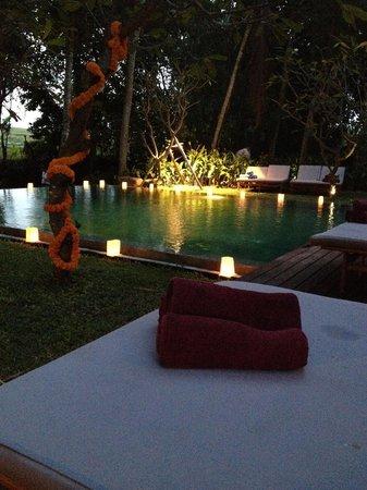 RedDoor Bali : Set up/decorations for the wedding