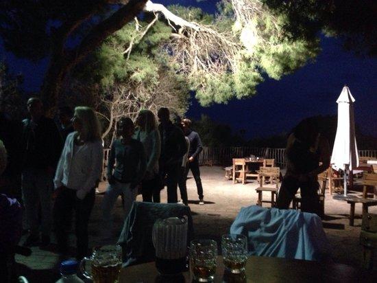 Rancho Grande Park: People enjoying the line dancing