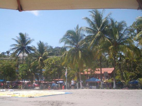 Hotel Manuel Antonio: la playa frente al hotel