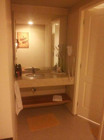 Uno Buenos Aires Suites: lavabo