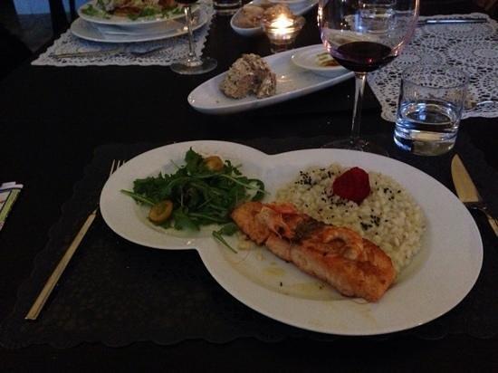A Raposa: salmon with risotto