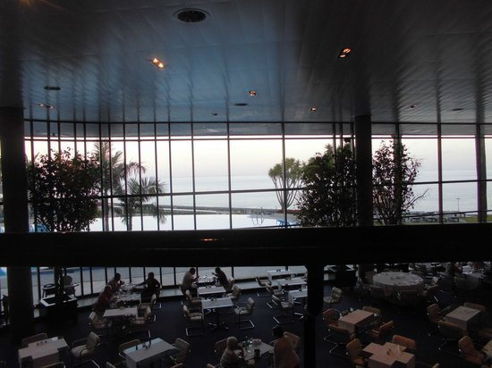 Pestana Casino Park Hotel : la vue sur la mer du restaurant