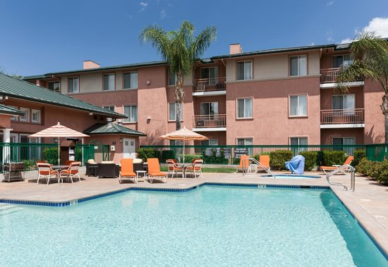 Residence Inn Santa Clarita Valencia: Pool Deck