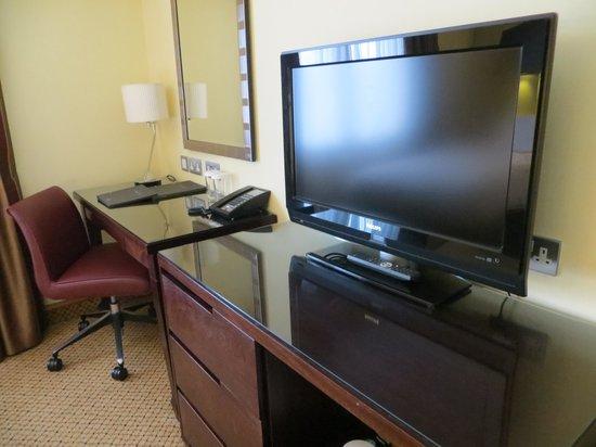 Hilton Bath City: Desk in twin room