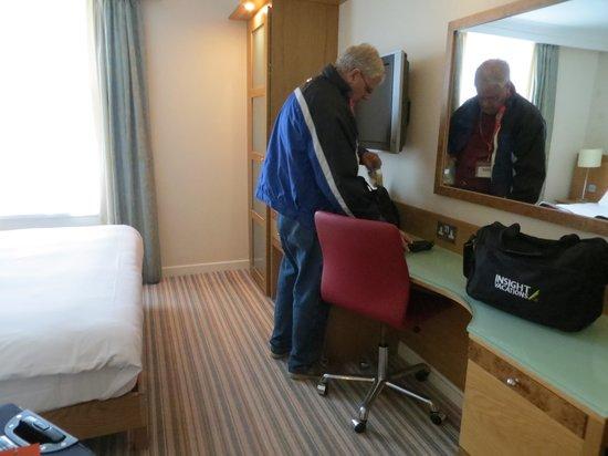 Hilton Bath City: Desk in double room