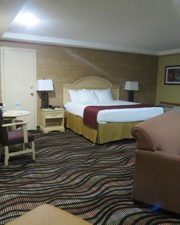 Best Western Summit Inn: Kind suite