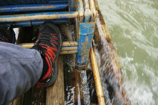 Bamboo Raft Drift : 足元の様子
