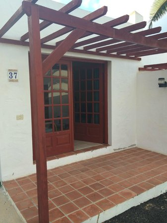 Castillo Beach: Outside Patio Area and Front of Bungalow