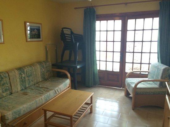 Castillo Beach: The Lounge Area