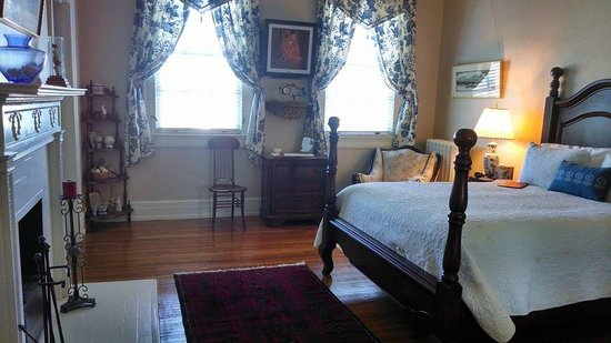 King George Inn: Queen Charlotte Room