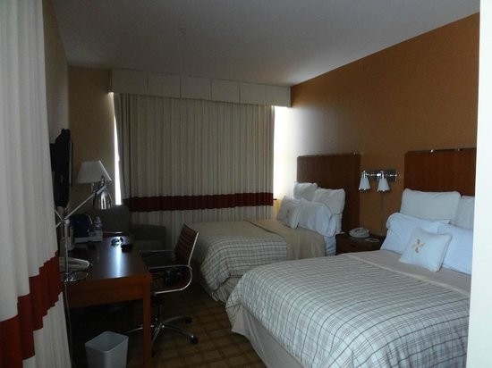 Four Points by Sheraton Philadelphia City Center: Quarto