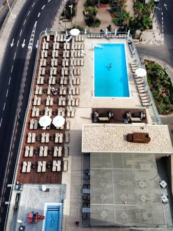 Sheraton Tel Aviv Hotel : The pool