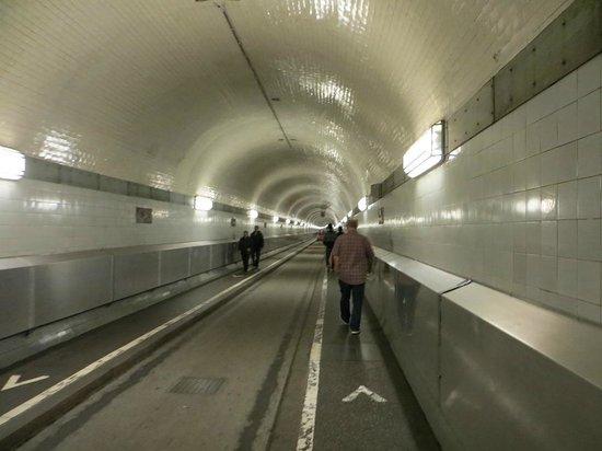 Alter Elbtunnel: Tunnel itself