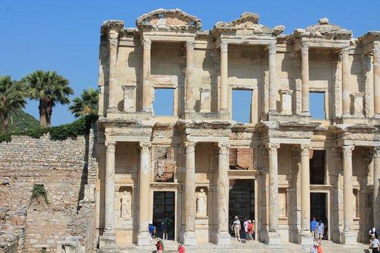 Ruinen von Ephesos: библиотека