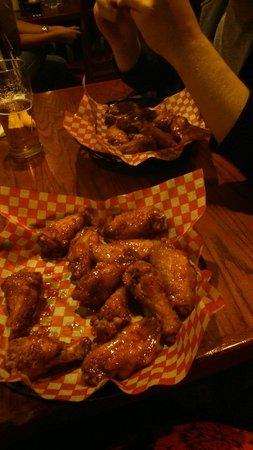 dem Bones: Chicken wings