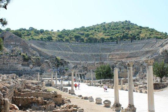 Ruinen von Ephesos: большой амфитеатр