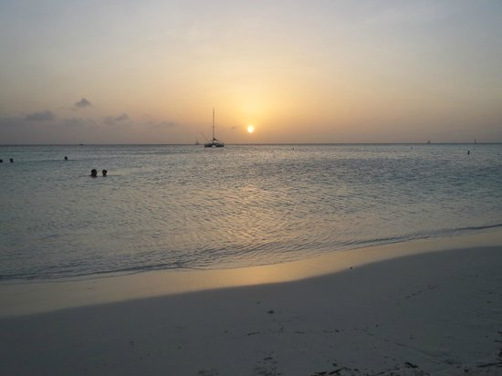 Occidental Grand Aruba All Inclusive Resort: The perfect Sunset in Aruba