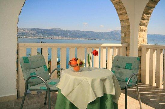 Arbanija, Hrvatska: Direct sea view