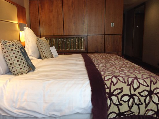 Europa Hotel - Belfast: Executive Double bed