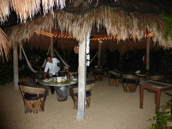 Nah Uxibal Villa and Casitas : Oscar and La lo . Great place to dine