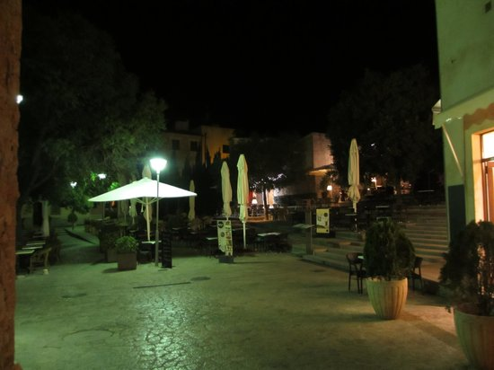 Plaza Major at around midnight. Juma on the right