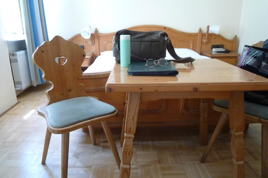 Adlerhof: The writing table made of REAL wood