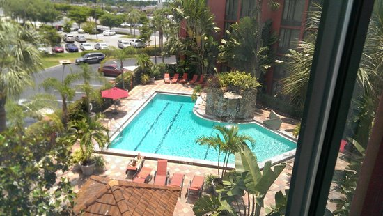 Crowne Plaza Fort Myers at Bell Tower Shops: A better view
