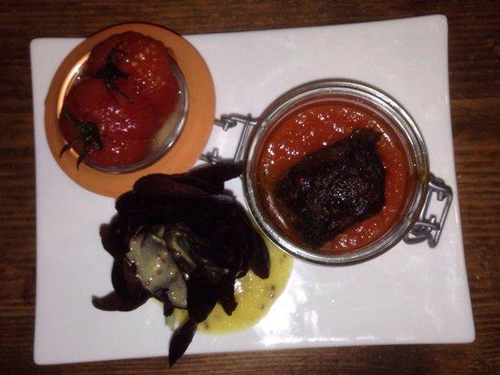 Auberge Le Garde-Manger : Caillette chaude dans son écrin à la tomate