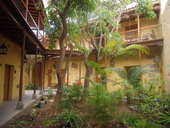 Hotel Rural Casa de los Camellos: patio