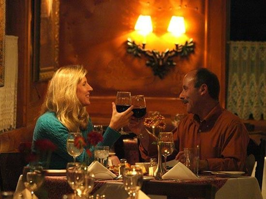 BlissWood Bed and Breakfast Ranch: Romantic Dinner at Carol's