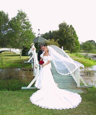 BlissWood Bed and Breakfast Ranch: Texas Wedding Venue