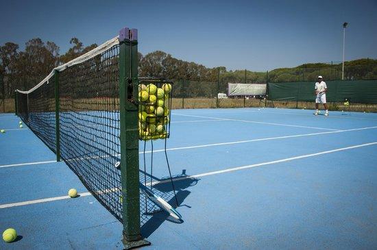 La Bussola: Il campo da tennis