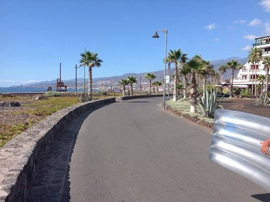 H10 Conquistador : promenade playa de las americas