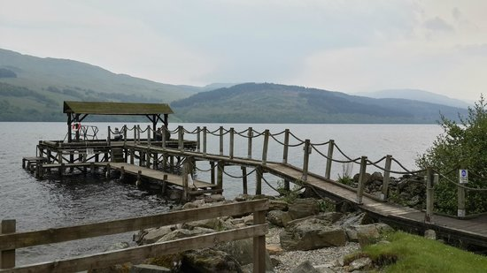 Loch Tay Highland Lodges: River front