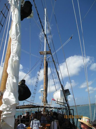 Captain Cook Cruises : on the boat