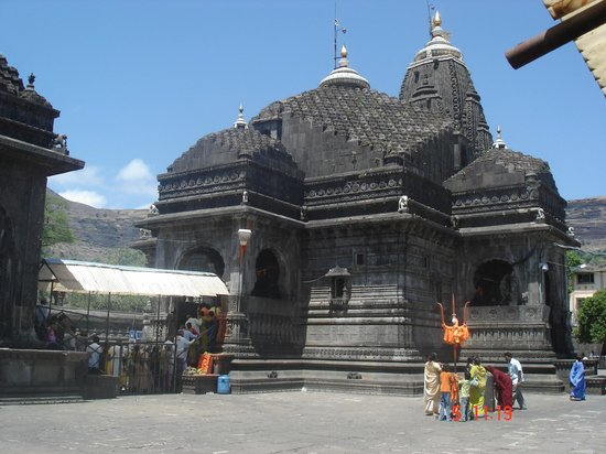 Trimbakeshwar Shiva Temple: Temple Garbhagrah from outside