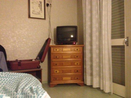 Hotel Abner's: ----