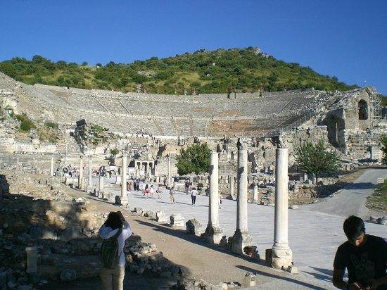 Ruinen von Ephesos: 25,000 seat ampitheater