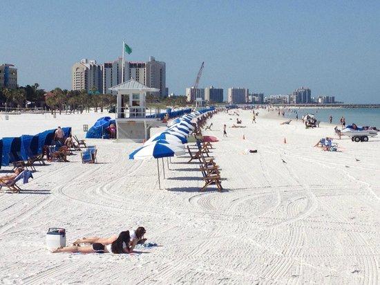 Hyatt Regency Clearwater Beach Resort & Spa: Clearwater Beach, right across the street