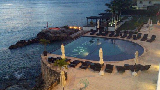Hotel B Cozumel: La alberca