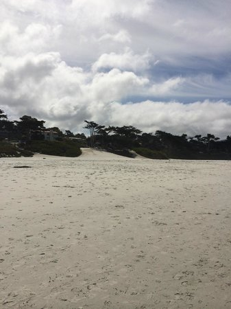 Vagabond's House Inn: Beautiful beach nearby