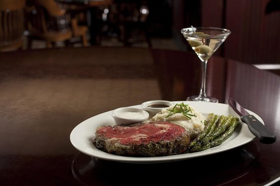 Stanford's Restaurant and Bar: Prime rib at its best