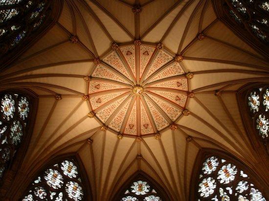 Cathédrale d'York : Interno