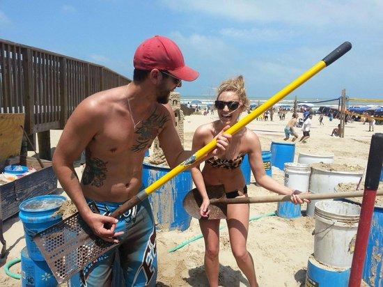 Sandcastle Lessons: We had a shovel guitar break