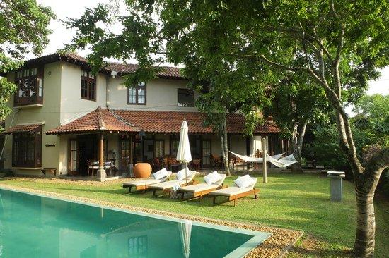Villa Talangama : Villa and gardens