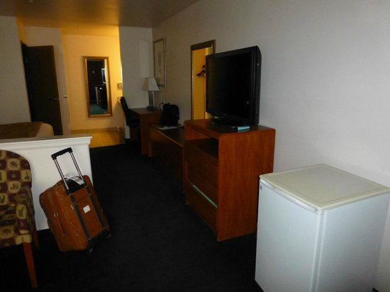 Magnuson Hotel Manitou Springs: Entertainment/Desk Area